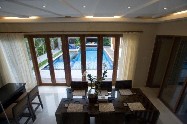 3bedroom-villa-travis-bali-1.jpeg