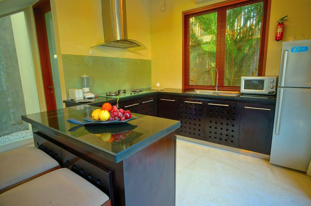 3bedroom-villa-travis-bali-3.jpg
