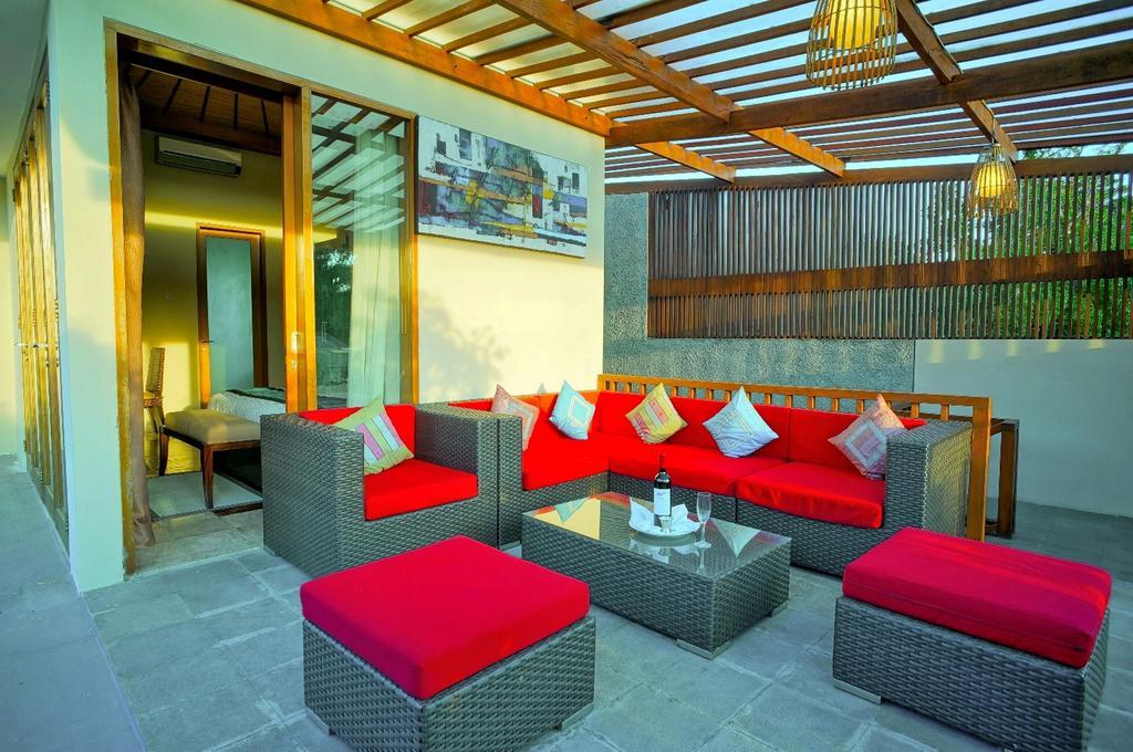 3bedroom-villa-travis-bali-5.jpg