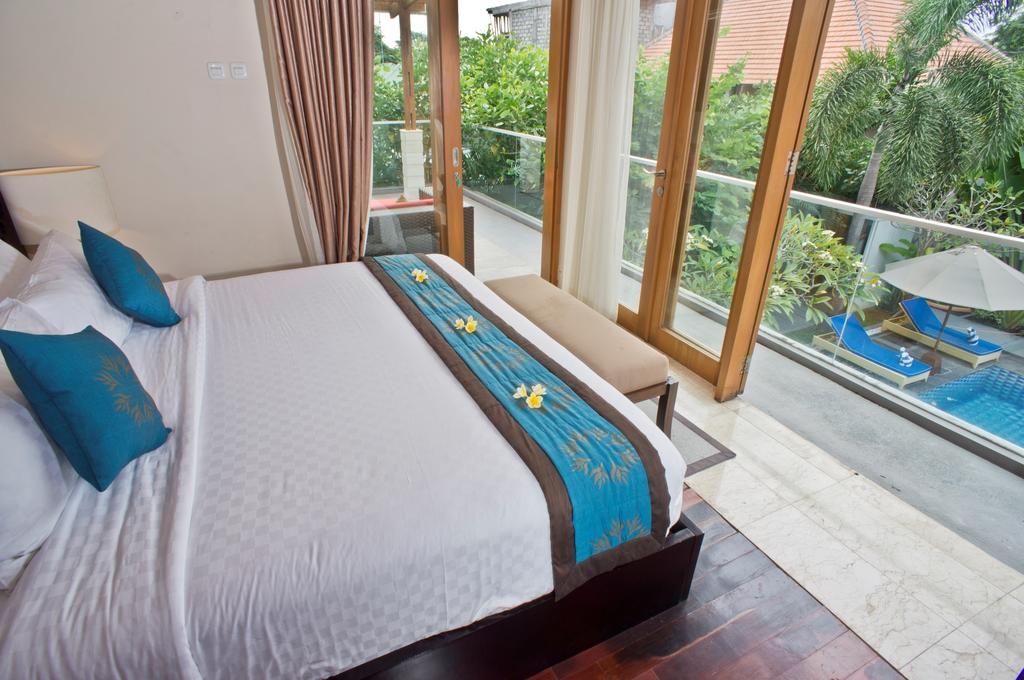 3bedroom-villa-travis-bali-8.jpg